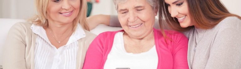 Apps That Help Seniors Communicate with Family